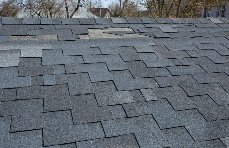 Some of the Main Signs That It's Time to Fix Your Loose Roofing Shingles